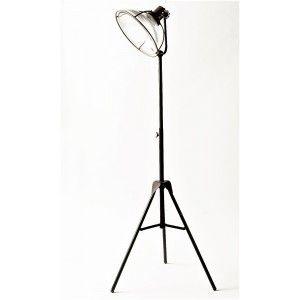 מנורה עומדת עם זכוכית מדורגת