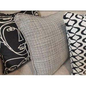 כריות נוי מעוצבות, כרית נוי צורות לבן-שחור
