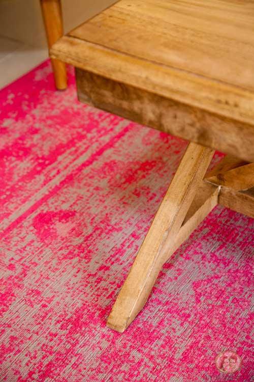 אל תחששו מצבעים נועזים לשטיח (שטיח מישל)